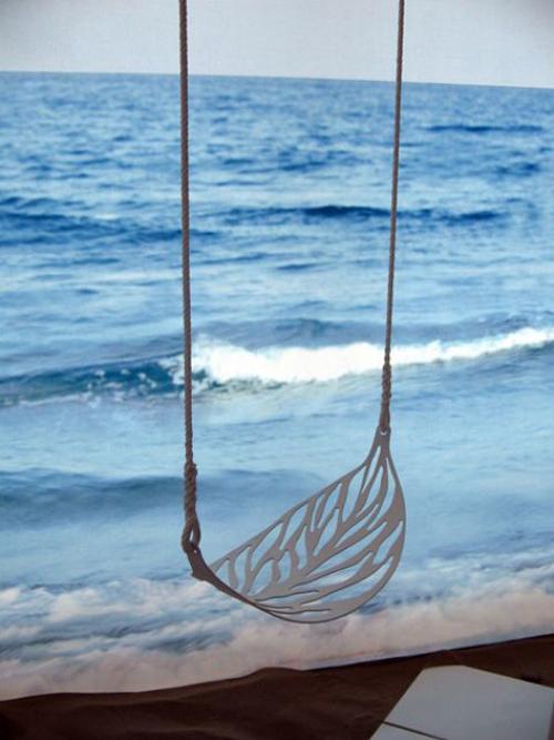 Leaf-swing